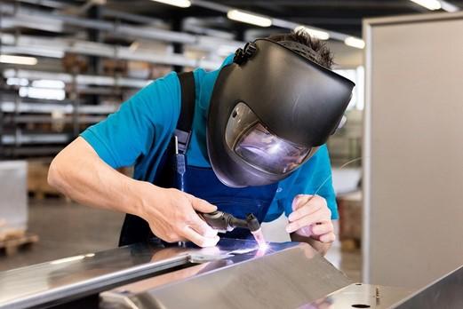 Manter chapas de aço em bom estado pode ser um desafio, mas um trabalho importante